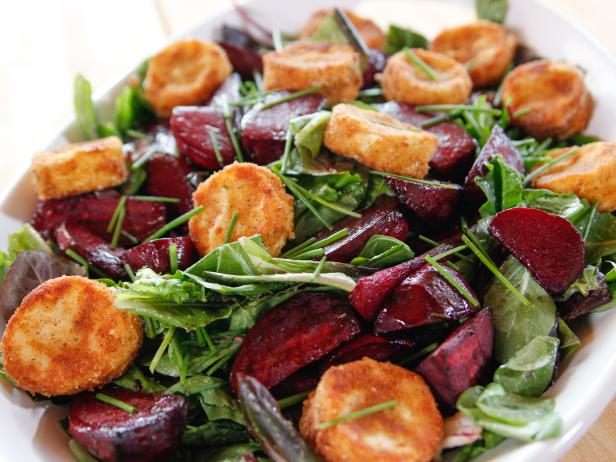 WU1210H_Roasted-Beet-and-Goat-Cheese-Salad_s4x3.jpg.rend.hgtvcom.616.462.jpeg