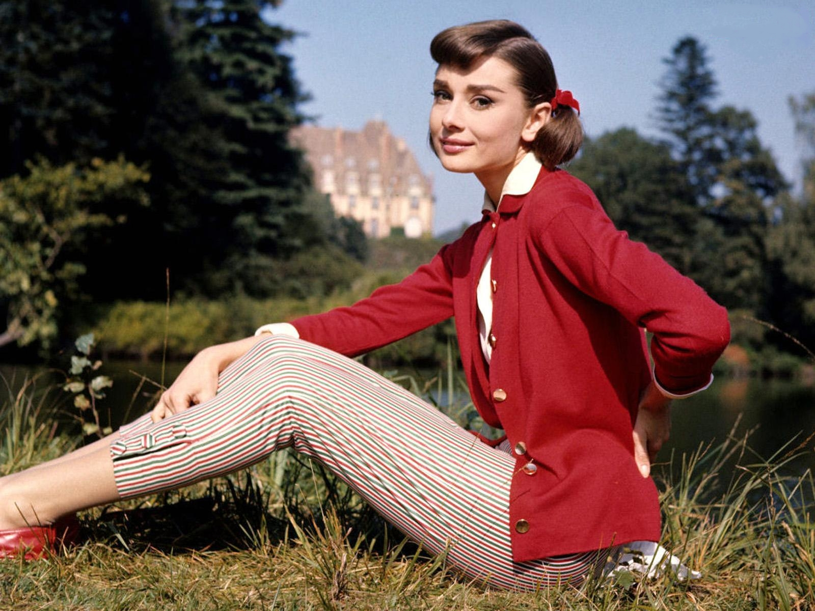 AUDREY-HEPBURN-Latest-Photos.jpg